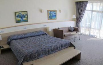 Бронирование номера Люкс в отеле Аквапарк, Алушта